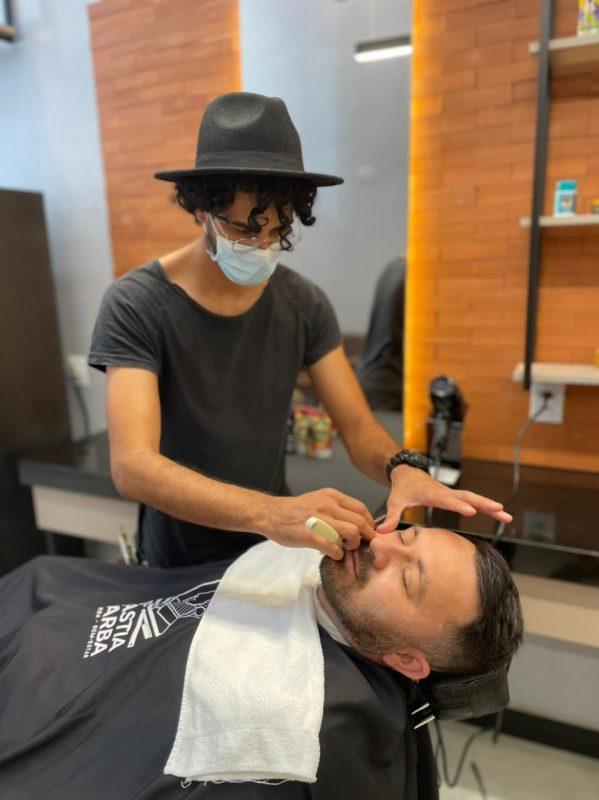 empresario-abre-terceira-unidade-de-barbearia-e-lanca-franquia
